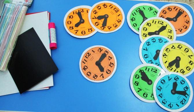 Часы из картона своими руками для детей фото 798